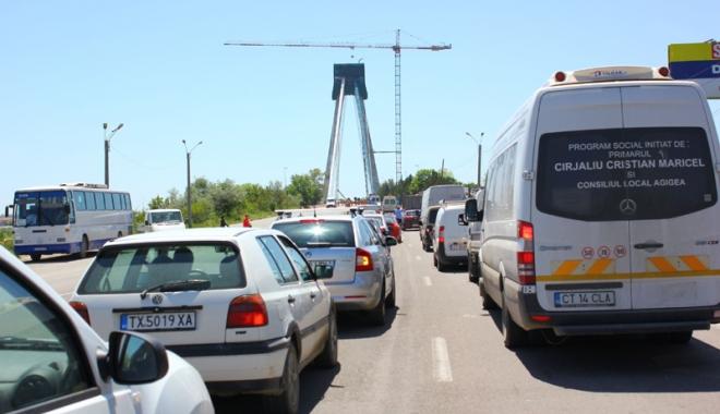 Foto: Deşi nu e în stare să repare Podul  de la Agigea, CNADNR construieşte drum de mare viteză pe litoral