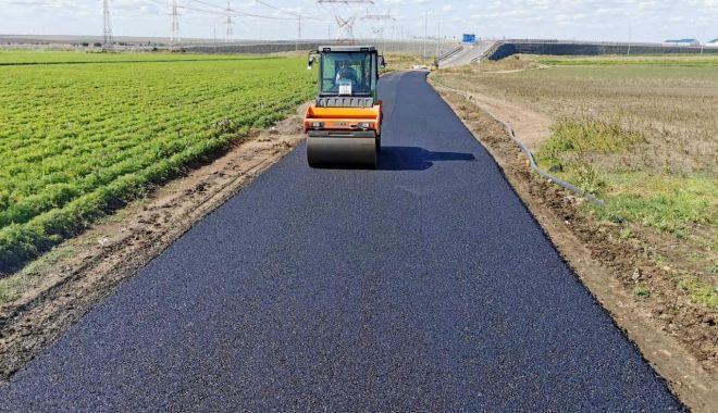 Foto: Drumul comunal 89 dintre Constanţa şi Poiana, modernizat