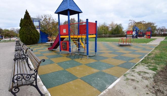 Foto: Țara Piticilor din Tăbăcărie, reabilitată! Parcul se redeschide pe 1 decembrie