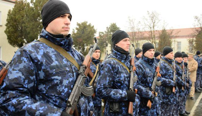 Foto: Vin întăriri în Armata Română. Cine a început instrucţia