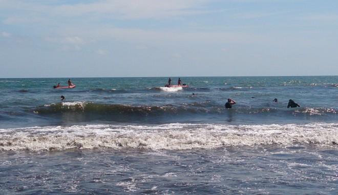 Galerie Foto - DUBLĂ tragedie pe litoral! Tată și fiică luați de valurile mării, decedați după zeci de minute de resuscitare - dsc1447-1406717134.jpg