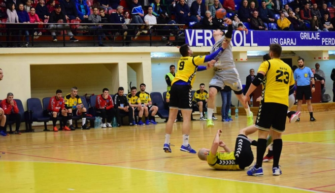 Foto: HC Dobrogea Sud, înfrângere la 6 goluri diferenţă, la Turda