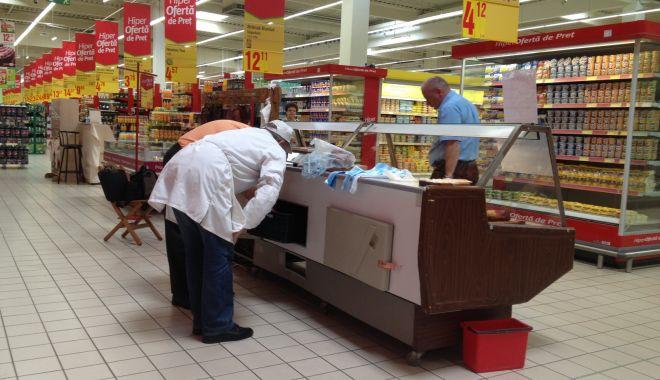 Foto: DSV Constanţa. Controale în pieţe şi supermarketuri