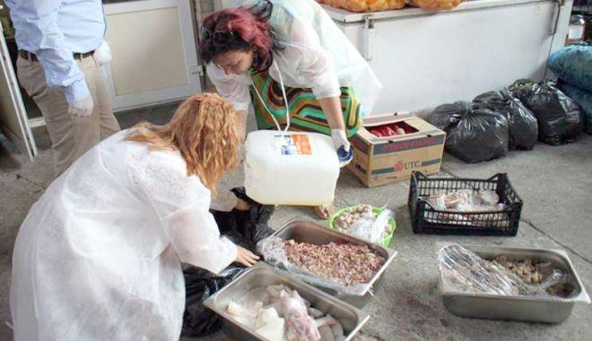 Foto: CONTROALE LA CONSTANȚA! Mii de kilograme de produse, retrase de pe piață
