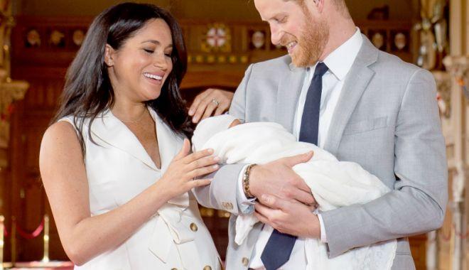 Foto: Jurnalist BBC, dat afară, după ce a postat un mesaj rasist despre bebelușul regal
