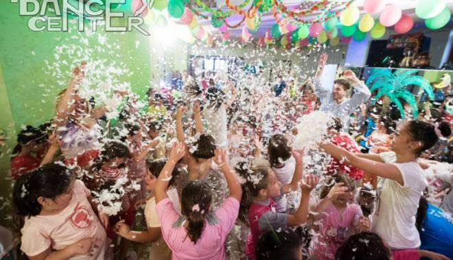 Foto: Super-petrecere cu personaje din desene animate. Duminică, toţi copiii sunt invitaţi la Disney Party!