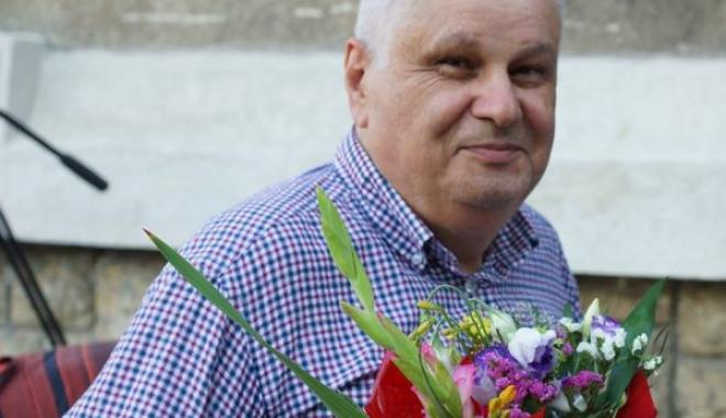 Foto: TRUPUL NEÎNSUFLEŢIT AL COMPOZITORULUI DUMITRU LUPU, depus la Casa Mortuară Niculescu