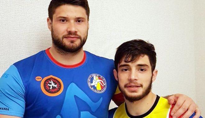 Foto: După mai bine de 10 ani! Luptător român,  medaliat cu aur la Campionatul European