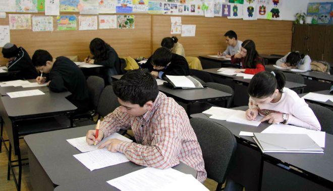 Foto: Liceenii se pregătesc de examene. Iată calendarul