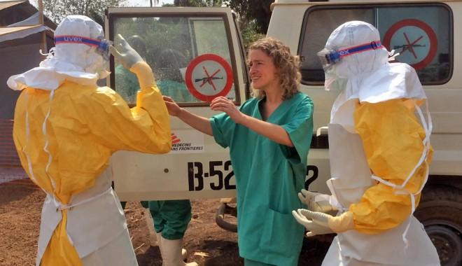 Foto: Medicul bolnav de Ebola, vindecat cu un medicament experimental