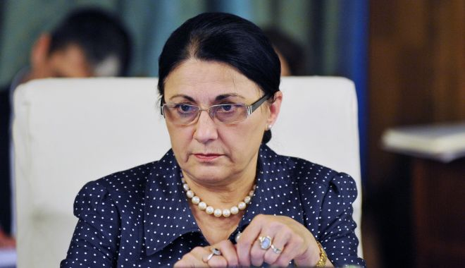 Klaus Iohannis a acceptat-o pe Ecaterina Andronescu la Ministerul Educaţiei - ecaterinaandronescupropusalamini-1542364857.jpg
