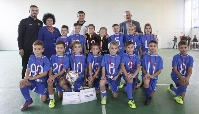 """Foto: Echipele Academiei Hagi, campioanele Memorialelor """"Gheorghe Ola"""" şi """"Gheorghe Ene"""""""