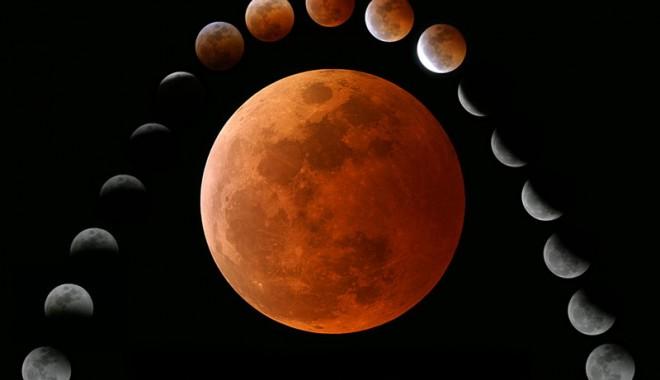 Foto: Eclipsă totală de lună, vizibilă în întreaga emisferă vestică