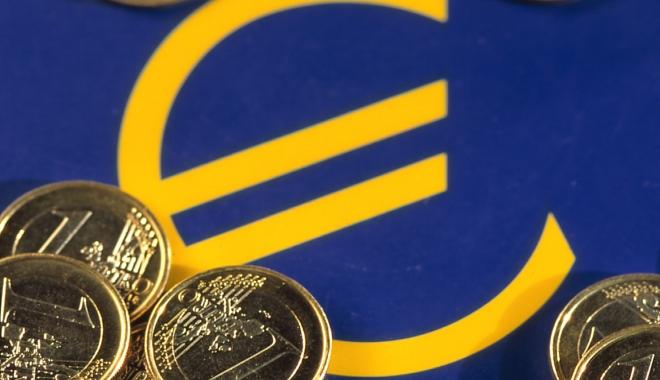 Foto: Economia UE va avea o creştere modestă