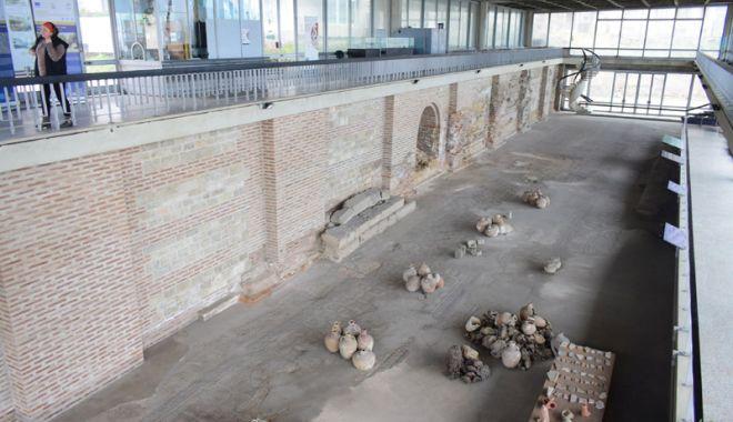 Ce-a fost și ce-a ajuns! Edificiul Roman cu Mozaic, într-o continuă degradare - edificiumozaic4-1519057924.jpg