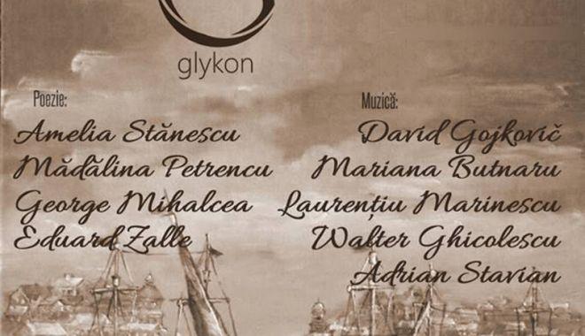 Foto: Ediţia de toamnă  a Cenaclului Glykon  se ţine la Clubul