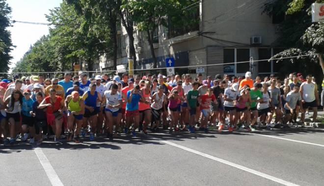 Foto: Cătălin Jitcovici şi Antonia Mariş sunt câştigătorii Crosului Olimpic