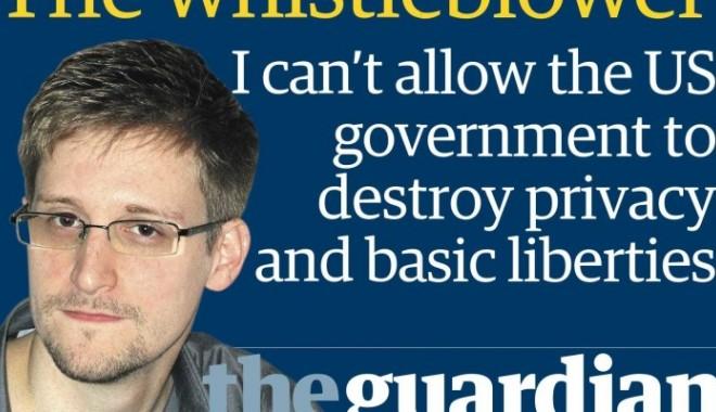 Foto: Avertismentul lui Edward Snowden: Renunţaţi la Facebook!