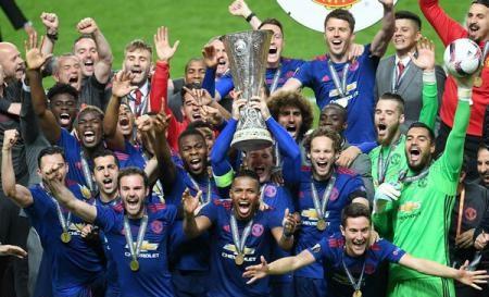 Foto: Manchester United a câştigat trofeul Europa League