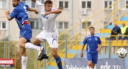 Foto: FC Farul începe să adune puncte, Sdrobiş face treabă bună