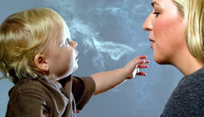 Foto: Efectele fumatului pasiv, distructive şi pentru nefumători