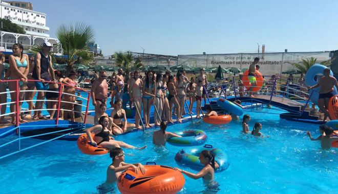 Foto: Sâmbătă, se redeschide Eforie Aqua Park. O zi de bălăceală şi pentru copiii sărmani