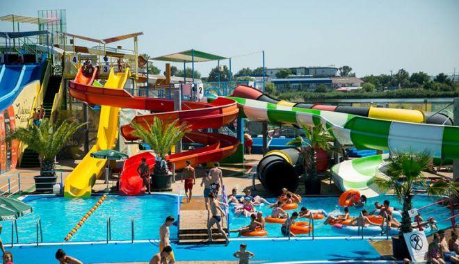 Sâmbătă, se redeschide Eforie Aqua Park. O zi de bălăceală şi pentru copiii sărmani - eforieaquapark3-1529683273.jpg