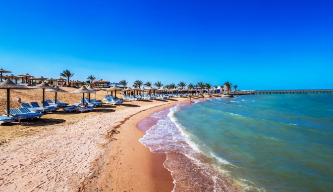 Foto: Doi turiști au fost uciși și patru răniți pe o plajă din Egipt