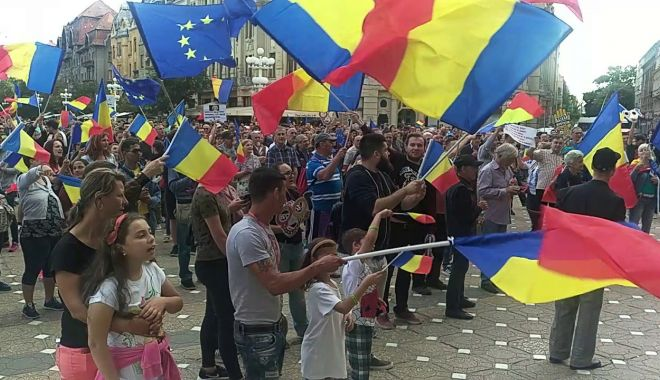 Foto: Fierbe țara! E groasă rău, dacă și patronii au început să protesteze!