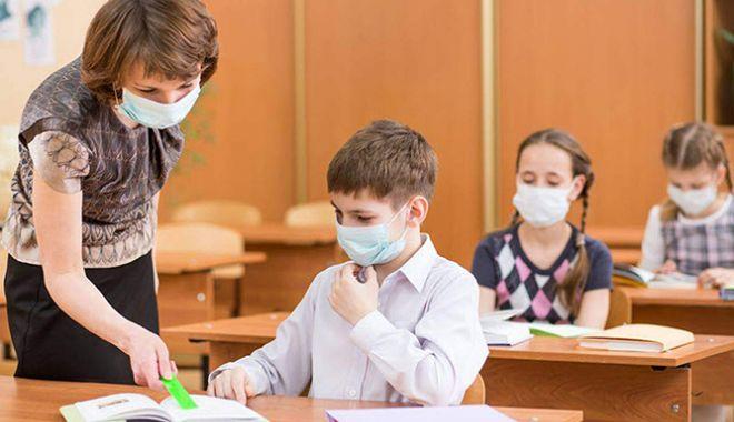 Începe Evaluarea Națională pentru elevii claselor a patra. Prima probă este de Limba română - elev-1621318979.jpg