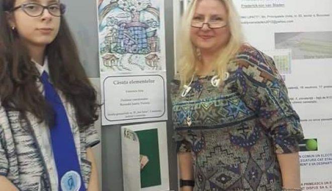 Foto: Eleva Ana Vărzescu, premiată la un concurs naţional de chimie
