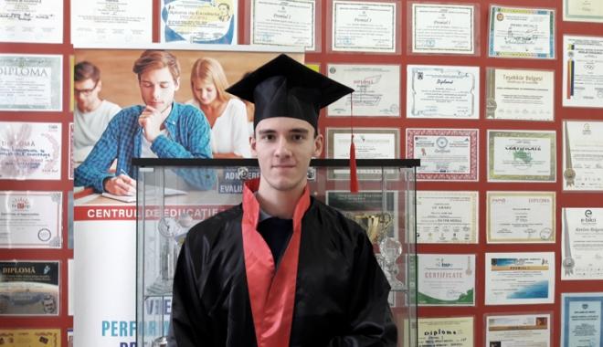 Foto: Elev al Liceului Internaţional de Informatică, admis la Universitatea Oxford