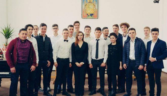 Foto: Noul an şcolar începe şi la Seminarul Teologic