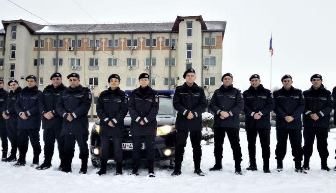 Foto: Elevi de la şcolile militare de subofiţeri, în practică la Jandarmeria Constanţa