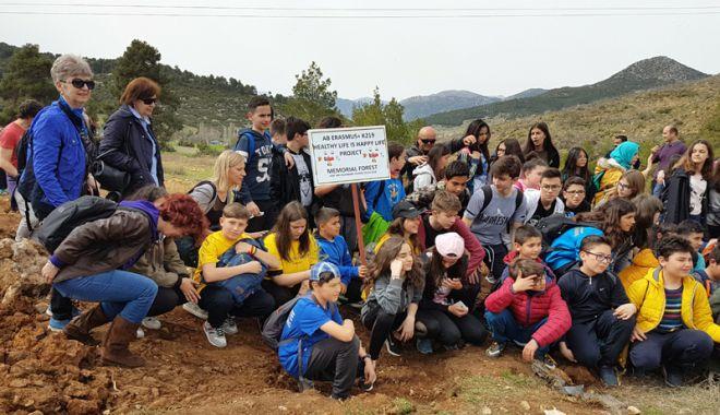Foto: Elevi de la Şcoala Ciocârlia de Sus, oaspeţi în Turcia