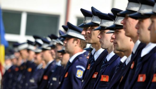 Foto: Elevii constănţeni, de vorbă cu poliţiştii despre cariera în cadrul MAI