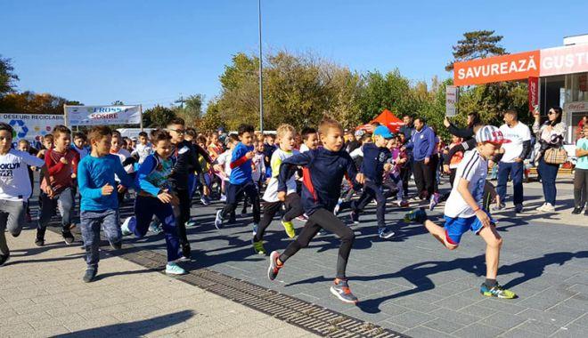 """Foto: Elevii constănţeni  au alergat pentru un viitor curat, la """"eCross"""""""