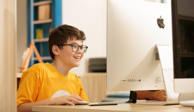 Elevii se întrec pentru titlul de cea mai bună lecție interactivă - elevii-1631728538.jpg