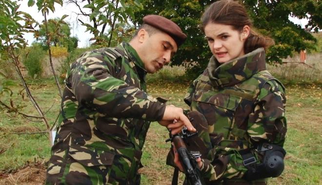 Foto: Elevii constănţeni, în vizită la militarii români şi americani