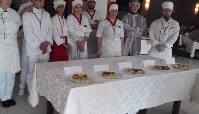 Foto: Elevii Colegiului Economic Mangalia, premiaţi la concursul pe meserii