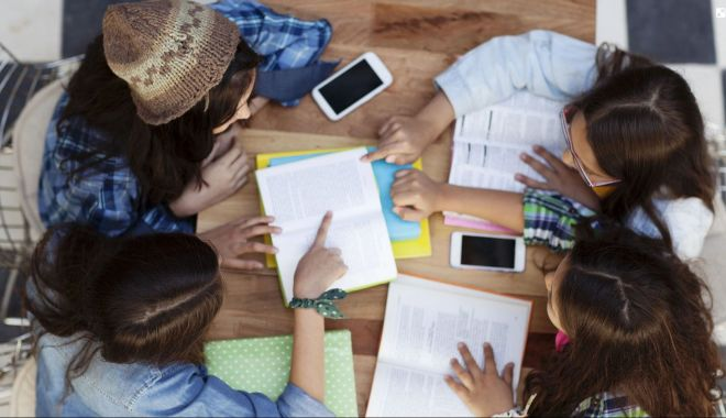 Elevii constănţeni, premianţi la planuri de afaceri inedite - eleviiconstanteni1-1618942365.jpg