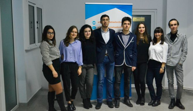 Foto: Elevii constănţeni au un nou preşedinte. Mandatul lui Alexandru Manda s-a încheiat. Cine îi ia locul