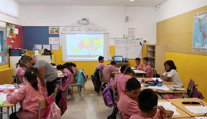 """Foto: Elevii Şcolii """"Lucian Grigorescu"""" învaţă cum  să protejeze mediul marin"""