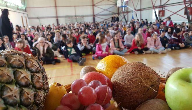 Foto: Elevii din Constanţa învaţă să mănânce sănătos