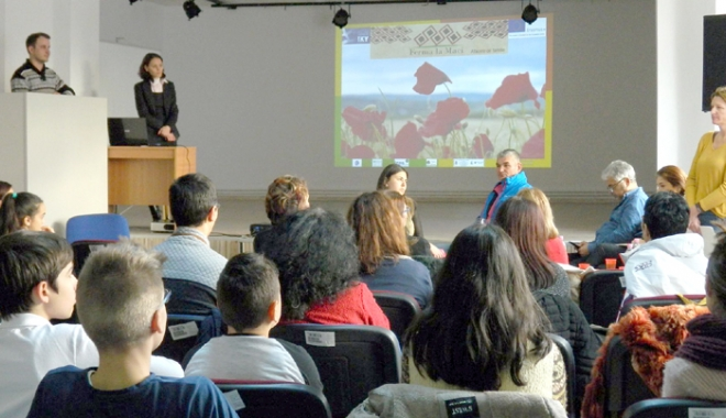 Foto: Elevii din Murfatlar, interesaţi de oportunităţile din domeniul agricol