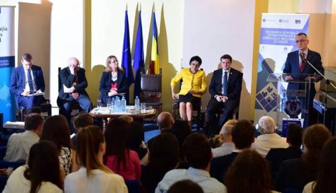 Foto: Liderii elevilor, faţă-n faţă cu ministrul Educaţiei