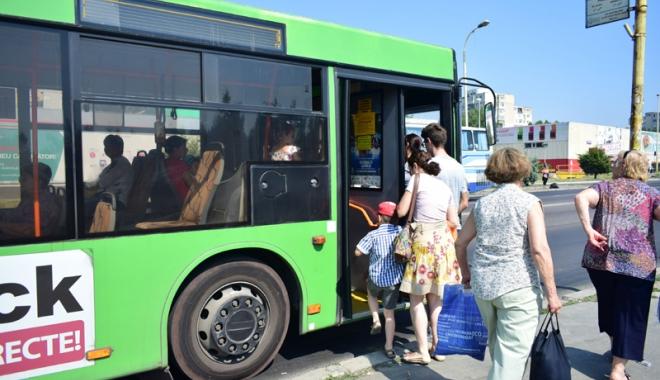 Foto: Elevii constănţeni,  la un pas  de a obţine gratuitate  pe autobuzele RATC