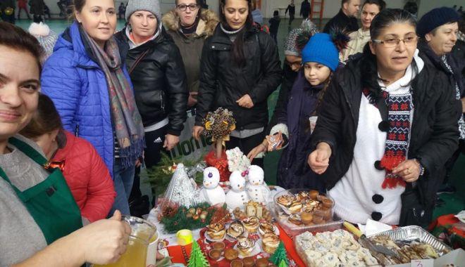 Elevii necăjiţi din Tuzla au primit cadouri - eleviisaraci1-1545324109.jpg