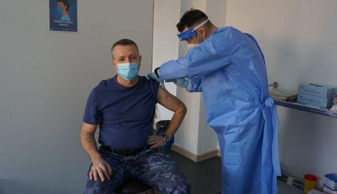 Elevii şi personalul Școlii Militare de Maiștri Militari a Forțelor Navale, vaccinaţi împotriva COVID-19 - eleviisipersonalul-1614278599.jpg