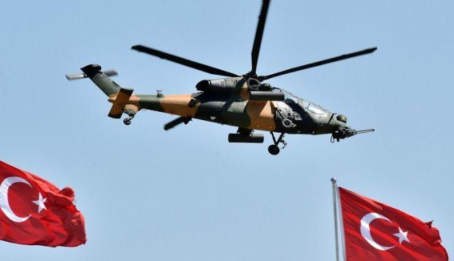 Foto: VIDEO / Un elicopter militar s-a prăbuşit în Istanbul. Sunt mai multe victime